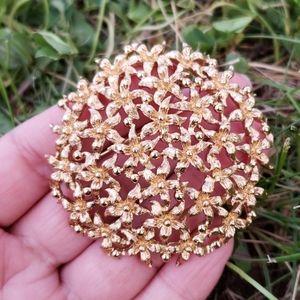 Vtg Large Monet Gold Textured Dome Flower Brooch